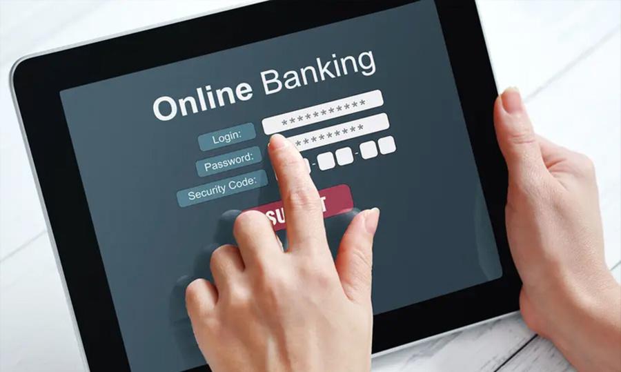 Gửi tiết kiệm online ngay khi nhận lương để dành tiền du lịch.