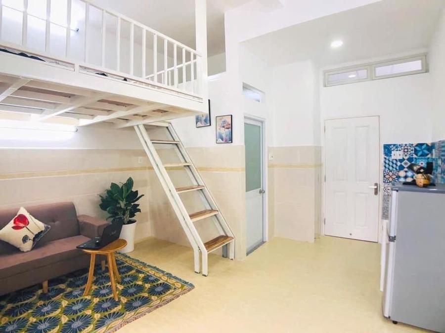 Chọn trọ có tầng lửng để chia không gian sinh hoạt khi ở ghép.