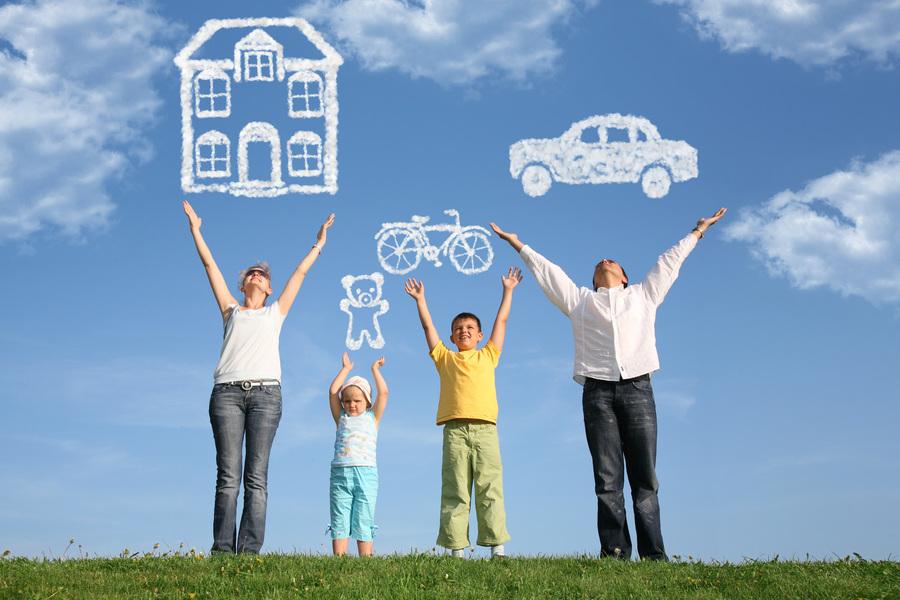 Tùy thuộc vào mức thu nhập cũng như chi phí sinh hoạt hằng hằng ngày của mỗi gia đình mà số tiền tiết kiệm sẽ khác nhau.