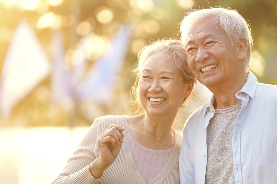 Tham gia bảo hiểm hưu trí để dự phòng rủi ro trong cuộc sống.