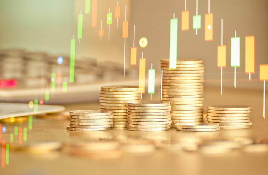 Đầu tư vào vàng, bất động sản là một cách để tiền sinh lời.