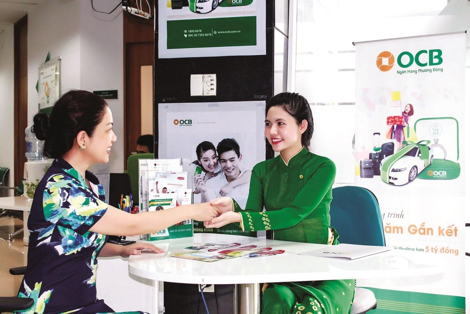 Các nhân viên ngân hàng sẽ luôn hỗ trợ và giúp bạn phong toả tài khoản ngay lập tức.